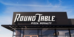 roundtable_pizza_exterior_01.jpg